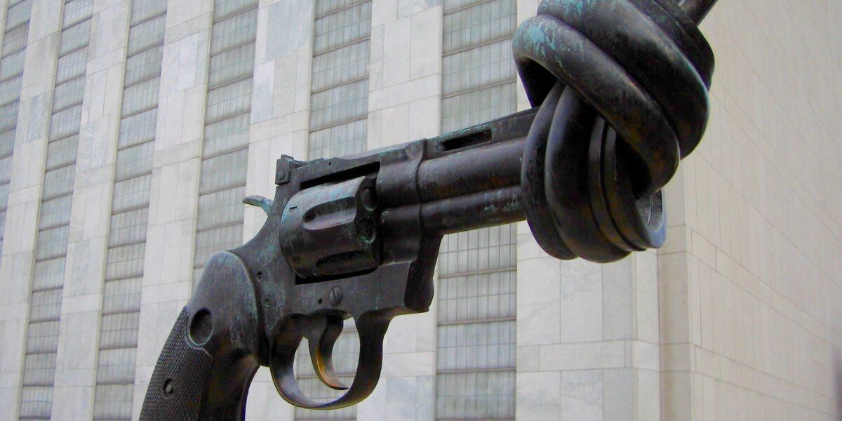 """""""La nonviolenza: stile di una politica per la pace"""""""
