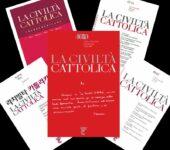 """Le copertine delle 5 edizioni de """"La Civiltà Cattolica"""": in lingua italiana, spagnola, francese, inglese e coreana"""