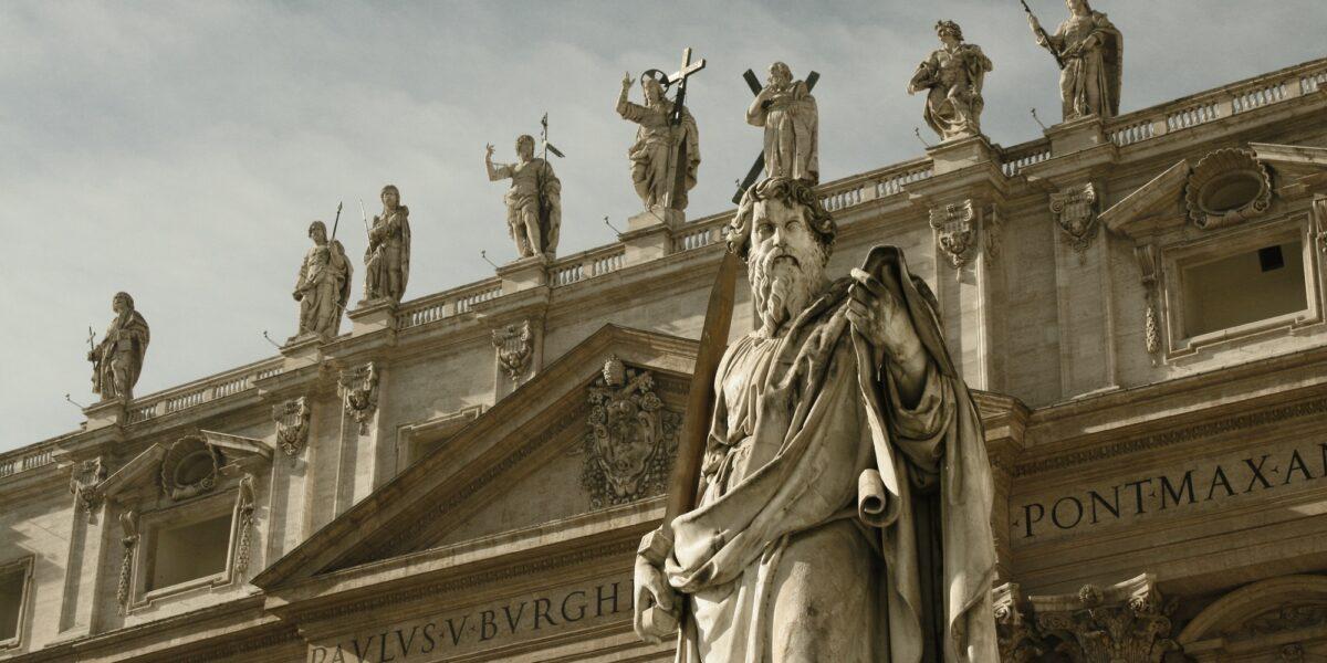 La riforma della Curia romana: i «collaboratori» apostolici