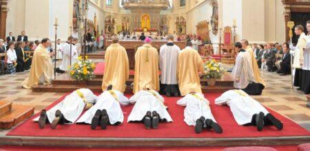 Il sacramento dell'ordine e la vita dei chierici