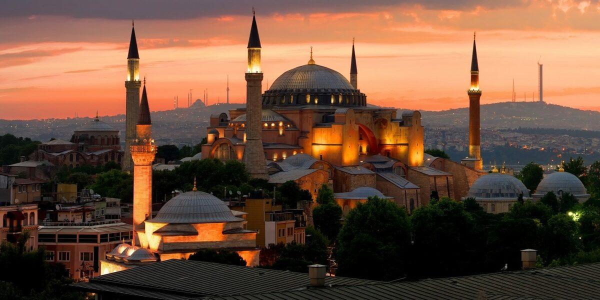 La basilica di Santa Sofia: da museo a moschea